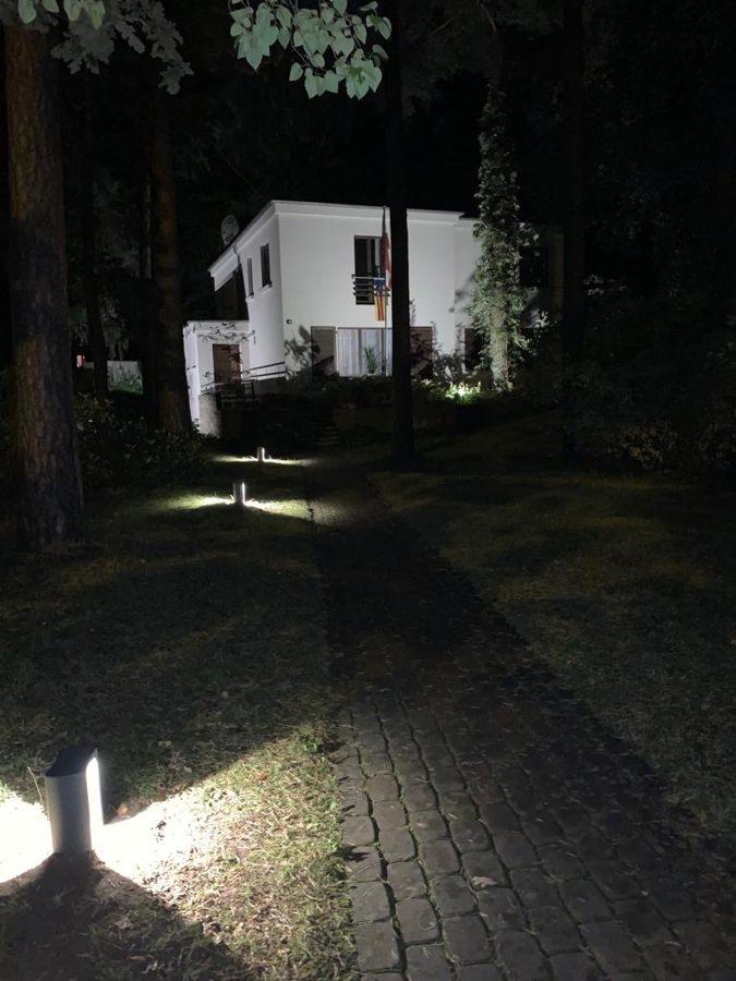 8W Dārza LED gaismeklis