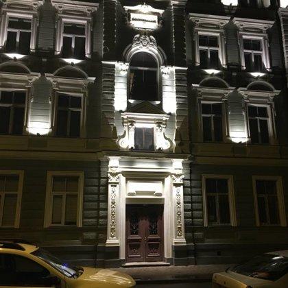 Facade lighting in Skolas str. 36