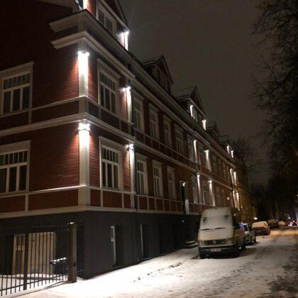 Fasādes apgaismojums Lapu ielā, Rīgā